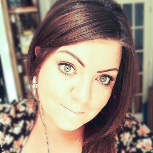 Amy Hopkins uses YourTradebase